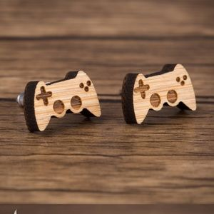 Urban Outfitters Gamer Vintage Wood Stud Earrings
